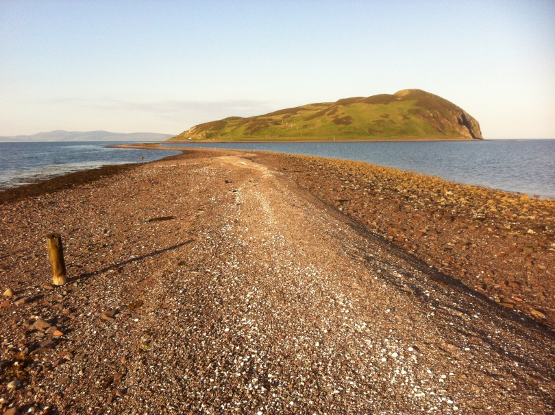 The tidal causeway to Davaar Island